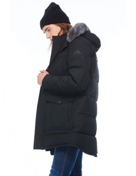 Parka Moose Knuckles Larga Acolchada Color Negro Hombre M39MP210