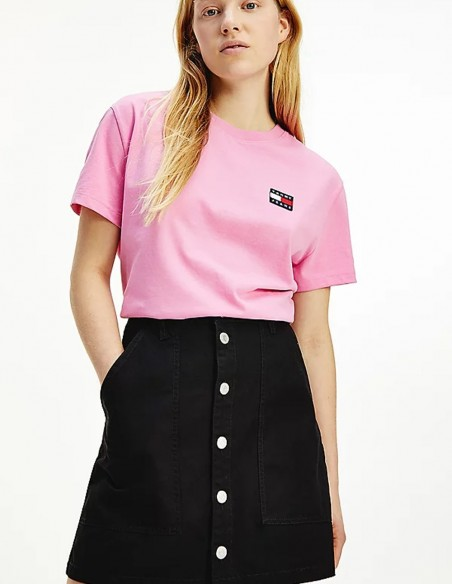 Camiseta Tommy Jeans Badge Rosa Mujer DW0DW06813-TOU
